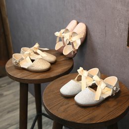 Gold Sandals Girl Australia - New 2019 Fashion girls shoes bows glisten kids shoes Summer kids girls sandals princess kids shoes Gold Party Girls Dress Shoe A3170