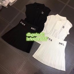 Wholesale Summer Women Letter Embroidery Luxury Designer Casual Two Piece Dress Polo Tops T Shirt Tee Pleated Miini Skirt Berif Activewear Shirt Sets