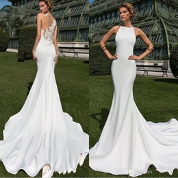 Simple outdoor wedding dreSSeS online shopping - 2020 Simple Matte Stain Country Mermaid Long Wedding Dresses Sheer Back Lace Appliqued Jewel Crystal Design Outdoor Bridal Gowns BC2412