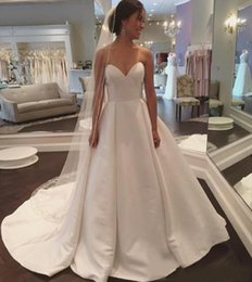$enCountryForm.capitalKeyWord Australia - Charming Sweetheart White Satin Wedding Dresses Sexy Court Train Backless Custom Made A Line Country Style Bridal Wedding Gowns