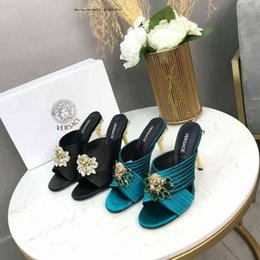 $enCountryForm.capitalKeyWord NZ - Brand 2019 Black Rubber Web Slender high heel drill Slide Sandal Slippers Green Stripe Fashion With Box Classic Summer Flip Flops