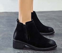 ankle chain pumps UK - 2019 Latest Women Leather Flat Boots Classic Jumble Ankle Boot Lady Casual Shoes in Clafskin High heel Pumps with Box Size:35-40 JK93