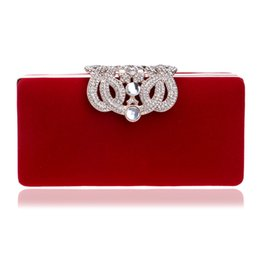 $enCountryForm.capitalKeyWord NZ - Metal Special Crown Diamonds Luxurious Women Evening Bags Small Day Clutch Chain Shoulder Velvet Evening Bags For Wedding