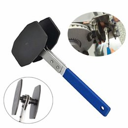 Chinese  Auto 360° Adjustable Brake Caliper Press Ratchet Caliper Piston Spreader Hand Tools manufacturers