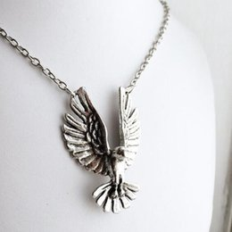 Eagle Hawk Pendant Australia - Flying Eagle Necklaces Falcon Gothic Punk Hawk Necklace Pendant Men Women Jewelry Accessories Brave Traveler Choker Ferocious Raptor Collar