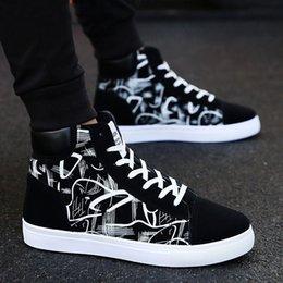 Ingrosso Moda Uomo Scarpe Nuovi Uomini Scarpe casual Sneakers alte Sneakers Piattaforma Vulcanizzata Scarpe da uomo di qualità Masculinas # 360557