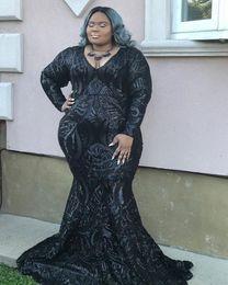 Plus Size Black Mermaid Prom Dresses scollo a V lunghezza del pavimento manica lunga paillettes abito da sera formale abiti su misura in Offerta