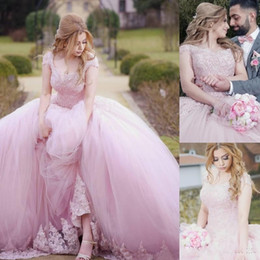 light pink gold quinceanera dresses Australia - Charming Pink Puffy Ball Gown Quinceanera Dresses Sweet 16 Lace Applique Beaded Lace Up Back Evening Dress Party Pageant Gowns