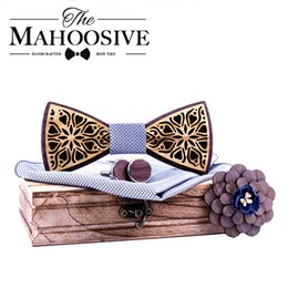 $enCountryForm.capitalKeyWord Australia - Mahoosive Floral Gift Set Wooden Bow Ties For Men Bowtie Butterflies Wedding Suit Wooden Bowtie Shirt Krawatte Bowknots Necktie MX190817