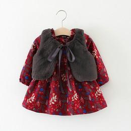 4cb2551d36ab Vestido da menina do bebê Outono Algodão Quente Infantil Impressão Floral  Estilo Europeu Do Vintage de Manga Longa de Inverno Da Criança Vestidos de  ...