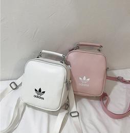 ced9c9153f Nuovo Designer Moda Donna Zaino Mini Soft Touch multifunzione Piccolo zaino  femminile Borsa a tracolla da donna Borsa Borsa Croce Mini Bag