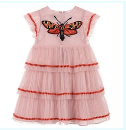 Wholesale Retail New Girl Summer Dress Bee Embroidery Dress Princess Cake Dress Children Clothing E2302