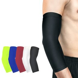 2017 Hot Sell Running Man Sports Arm Sleeve Cycling Compression Arm Warmers Elbow Protector Pads Support For Men Men's Accessories