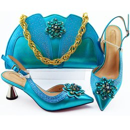 italian women heels 2019 - New Fashion Italian Women Wedding Shoes and Bag Set Decorated with Appliques Elegant Crystal Shoes Low Heels Women Party