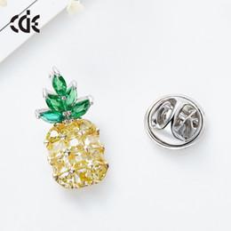 $enCountryForm.capitalKeyWord Australia - Wedding Party beaded pearl gift woman lady diamond jewelry Brooches for bride acting initiation graduation CDE-1449