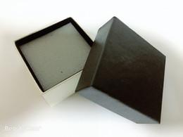 7 * 7 * 4cm carré noir petit encens bosse éponge bijoux boîte de rangement ciel et la terre couverture cadeau boîte haute qualité boîte à bijoux en Solde