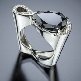 Wholesale Modern Twist Infinity Crystal Women Rings Big Black Water Drop Zircon Stone Wedding Ring Hollow Heart Silver Jewelry Z3M305