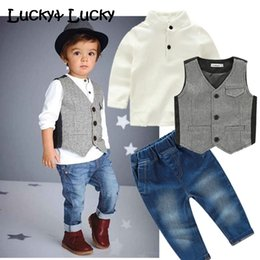 $enCountryForm.capitalKeyWord Australia - New kids clothes casual boys clothing set 3pcs set fashion costume for kids shirt+vest+jeansMX190916