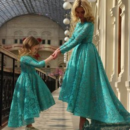 Cheap red laCe evening dress online shopping - Modest Cheap Long Sleeves Arabic Mother And Daughter Prom Party Dresses Full Lace Hunter Custom Made Cheap Hi Lo Evening Gowns
