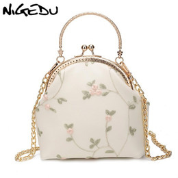 floral crossbody handbags NZ - Lady Floral Lace Cover Shoulder Bag for female Frame Kiss Lock Crossbody Bag for Women purses and handbags Chain Sling