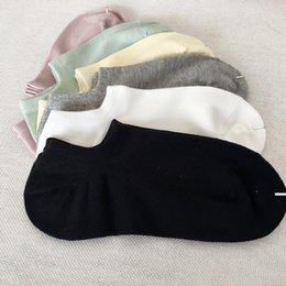 20SS Mode Herren Weißen Socken Sommer Mann Socken Straße Unterwäsche Herren-Basketball-Sport-beiläufige Socken für Frauen Freier Größe im Angebot
