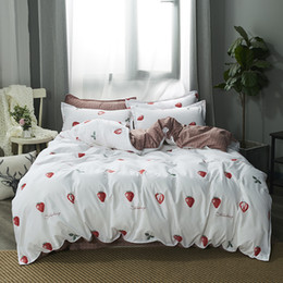 $enCountryForm.capitalKeyWord Australia - White strawberry Bedding Set Soft Quilt Cover Pillowcase Soft bed sets twin full queen king duvet cover cartoon girls bedclothes