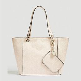 1e3b22e6e Nueva llegada de la moda bolso de hombro de cuero sintético marca bolso  kamryn más grande NWT rosa claro