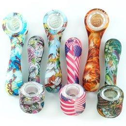 Brilham no escuro cachimbo criativo Tubos de Mão de silicone Tabaco Pirex Colorido Bongo bonito com bacia de vidro removível para Fumar cachimbo de água em Promoção