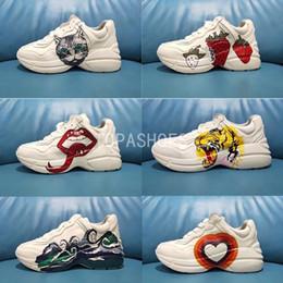 Dance shoes men online shopping - 2020 good quality Rhyton ENG Men Women Running Shoes Triple Core White University Red Olive Volt Paris Dancing Sneakers