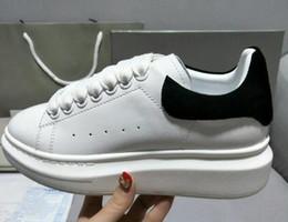 Scarpe casual Lace Up Designer Comfort Pretty Sneakers donna Casual Scarpe in pelle Da uomo Sneakers da donna Durevoli Chaussures pour hommes in Offerta