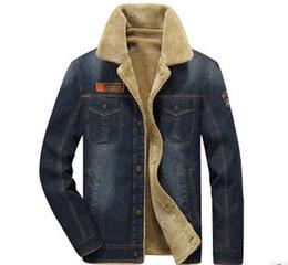 9957c645c M-6XL homens jaqueta e casacos de marca de roupas jaqueta jeans Moda mens  jeans jacket grossa inverno quente outwear cowboy masculino YF055