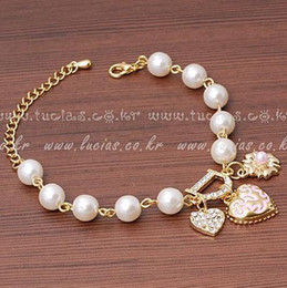 $enCountryForm.capitalKeyWord Australia - Fashion Elegant heart flower bracelet Peach Heart Diamond letter pearl Flower Bracelet for women luxury jewelry