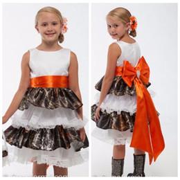 $enCountryForm.capitalKeyWord NZ - Sleeveless Camo Flower Girl Dress with Tiered Skirt Lace Trim Girl Wedding Party Dress with Big Bow(s)
