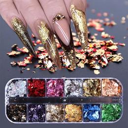 Vente en gros Manucure 12 paillettes à ongles de grille Paillette aluminium flocons irréguliers or pigment argenté ongle art décoration miroir feuille feuille papier