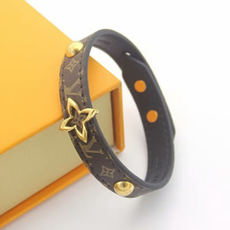 $enCountryForm.capitalKeyWord Australia - Hot Sale Brand Named Bracelets Lady Print Flower V Letter Design Leather Bracelet Bangle With 18k Plated Gold Hollow Out Four Leaf Flower