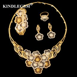 $enCountryForm.capitalKeyWord Australia - wholesale Luxury Parure Bijoux Femme Dubai Gold Silver Flower Necklace Sets Fashion Indian African Beads Jewelry Sets For Women