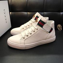 1ef48b4c 2020 Hot New Mens diseñador zapatos de lujo zapatos de cuero casuales zapatillas  de deporte negras de buena calidad botas de nieve para hombres