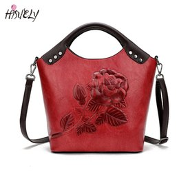tote bag rose Canada - HISUELY New Women Handbag Rose Print Tote High Quality Leather Large Capacity Ladies Shoulder Bag Messenger Bag For Women