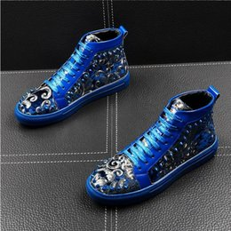 China Brand Men Black blue Loafers Shoes Luxury lace-up Moccasins Casual wedding Men Shoes personality rivet man Boots H373 cheap wedding cowboy boots suppliers