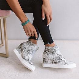 Toka Ayakkabı için güzel Yeni Moda Kadın Casual Fermuar Katı Sneakers Lady Kısa Çizme Günlük Ayakkabılar indirimde