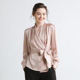 b755f1d223 Venta al por mayor moda mujer 100% blusas de seda camisas de seda Champagne  rosa manga larga con cuello en V ropa de mujer