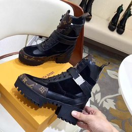48aac39b8 2019 New Fashion Boots for Women Comfortable Height Increasing Women Shoes  Girls Leisure Leather Ankle Boots Martin Boots Laureate Platform