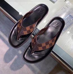 $enCountryForm.capitalKeyWord NZ - G1053N Free shipping summer new products good quality logo square lattice men's slippers men's flip-flops feet slippers sandals non-slip rub