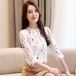 Wholesale womens half shirts online – design Summer Chiffon Blouse Womens Tops and Blouses Print Shirt Half Sleeve Shirts O Neck Office Ladies Tops White Blouse Blusas Mujer