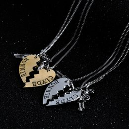 Wholesale Thelma and Louise Necklace Silver Gold Broken Heart Gun Pendant Chains for Women Best Friends Best Bitch Fashion jewelry DROP SHIP