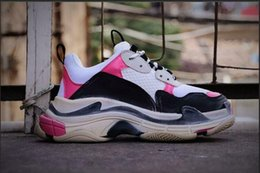 Canvas Pump Shoes Australia - Yae pumps munro pink Low Old Dad Sneaker Combination Soles Boots Mens Triple s Womens Fashion Casual Shoes High Top Quality Size 36-4