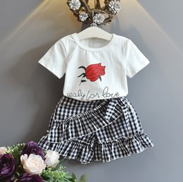 $enCountryForm.capitalKeyWord Australia - 2019 new design baby girls outfits rose flower t shirt tops + hot shorts pants 2 pcs clothing set girl's fashion vintage suit