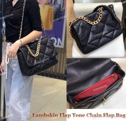 genuine lambskin leather NZ - Wholesale Women's Fashion Lambskin Flap Bag Gold Silver Tone Chain Crossbody Bags Genuine Leather Quilted Female Flap Bag 26 30cm Free Ship