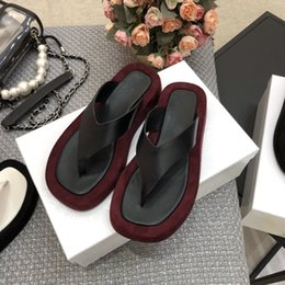 spring summer fashion trends NZ - Spring Summer 2020 High-end Quality Fashion Trend Ladies' New Leather Upper with Inner Sheepskin Flip Flops In Three Colors 35-40