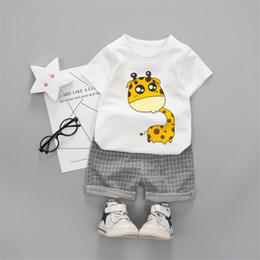 $enCountryForm.capitalKeyWord Australia - Outfit For Bpy Baby Children Summer Cotton Clothing Set Cute Cartoon Giraffe T-Shirt+Check Shorts Kids Clothes